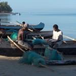 Princesse du Lagon hôtel à Tuléar Ifaty Madagascar : pêcheur sur la plage