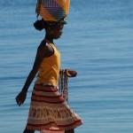 Princesse du Lagon Bungalow à Tuléar Ifaty Madagascar, femme sur la plage